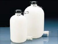 Storage_Bottles_PE-LD_with_TAP1.jpg